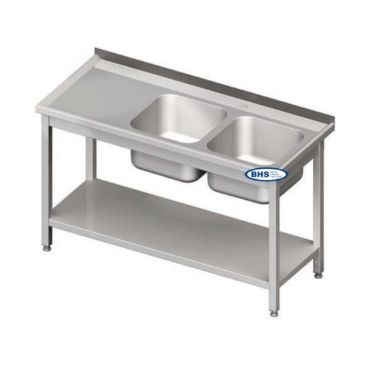 Metallist riiuliga kahe valamuga lauad
